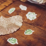 Poche de 100 Confettis de table Vert Tropical