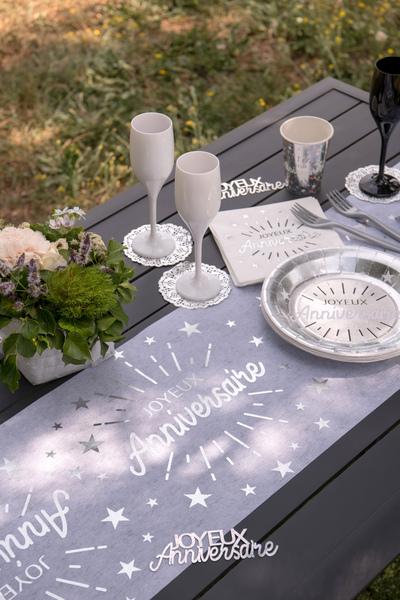 Chemin De Table Joyeux Anniversaire Argent Hollyparty Com